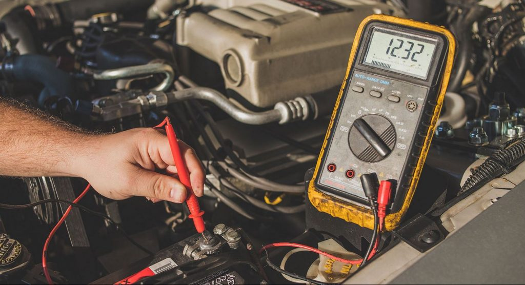 how to test the alternator with a voltmeter